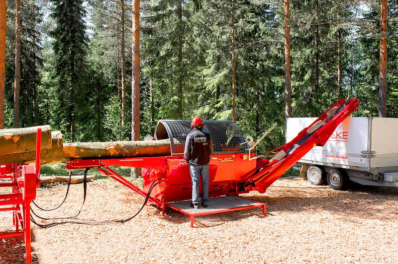Hakki Pilkkeen valikoimista löydät sopivan polttopuukonen niin teolliseen tuotantoon, ammattilaisille, puoliammattilaisille kuin pilkkeitä kotitarpeeseen tekeville.